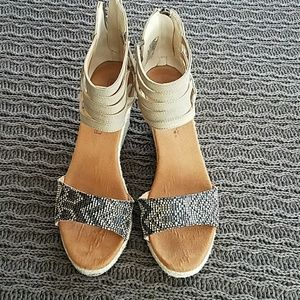 Bearpaw Calla wedge sandals